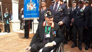 Giulio Biasin veneziano, 100 anni a settembre, è l'ultimo corazziere del Re. Ha servito Vittorio Emanuele III dal 1939 al 1943 e oggi ha ricevuto onorificenza di commendatore della Repubblica , Venezia, 5 giugno 2019. ANSA/MICHELE GALVAN