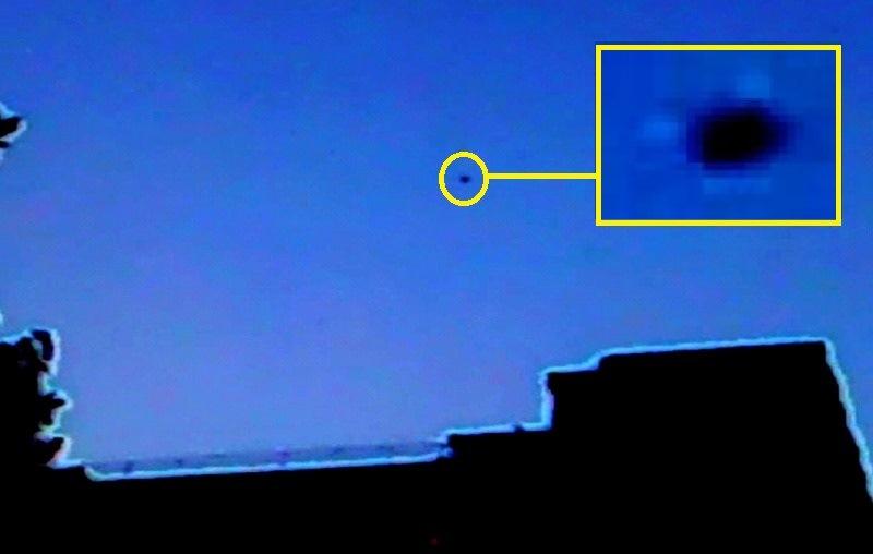 thumbnail_13 - UFO A SAN GIORGIO A CREMANO%2c NOTIAMO LUCI ATTORNO ALL%27OGGETTO