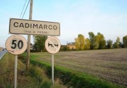 L'ingresso della frazione di Cadimarco (Fotogramma)