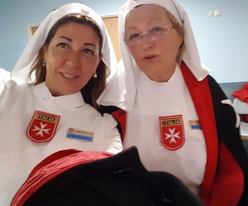 Angela Piotti Velenosi (a sinistra) a Lourdes