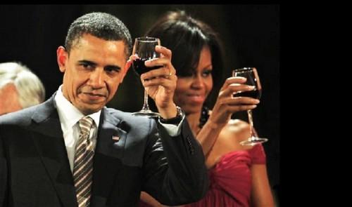 Obama e Michelle, brindisi italiani