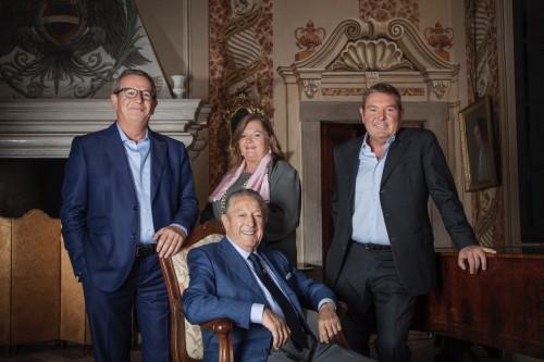 Franco Ziliani, alle spalle i figli Arturo, Cristina e Paolo
