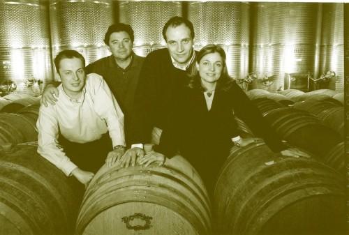 Maurizio Felluga, secondo da sinistra, con la sua famiglia