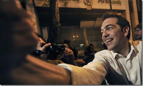 Alexi Tsipras, 37 anni, durante la campagna elettorale del giugno 2012