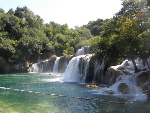 Una delle cascate del Parco naturale di Krka giungendo con la barca d Skradin (ph. I.Lucania)