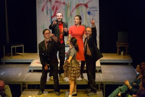 """Giuseppe Caccamese in scena con tutta la compagnia de """"La ballata degli elefanti"""" regia di Pamela Toscano"""