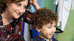Letizia Bucalo Vita con un piccolo paziente