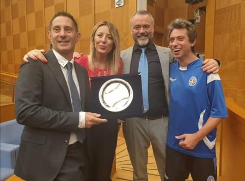 Valentina Battistini premia dirigenti e atleti di Quarta Categoria