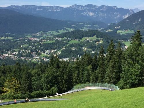 Affaccio dal Berghof oggi con pista di slittino
