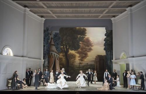 Georg Friedrich Händel/Ariodante/Gianluca Capuano:Musikalische Leitung/Christof Loy:Regie/Johannes Leiacker:Bühne/Ursula Renzenbrink:Kostüme//Ensemble