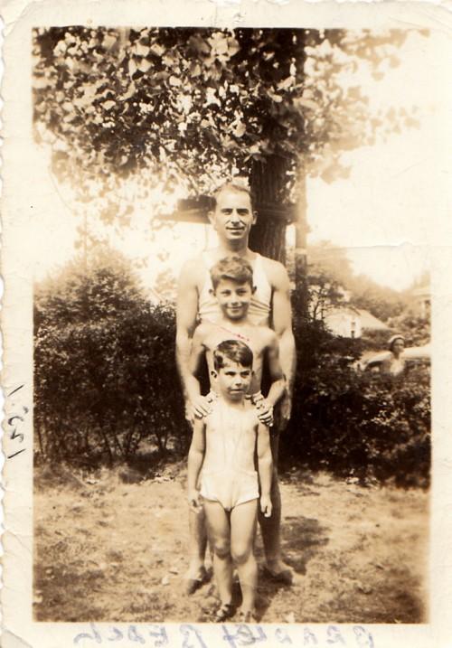 """Roth1937 con il padre: è la foto di copertina di """"Patrimonio"""""""