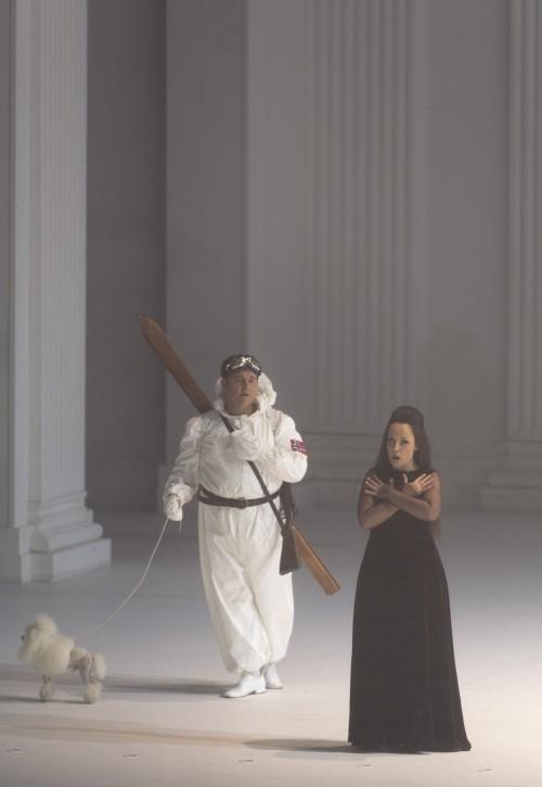 Regie .Bühne. Kostüme. Licht Romeo Castellucci Musikalische Leitung Teodor Currentzis Choreographie Cindy Van Ackeren