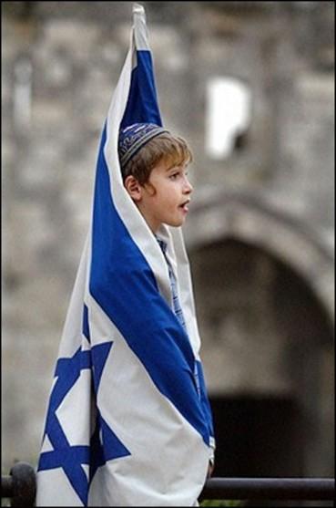 boy_israeli_flag.jpg