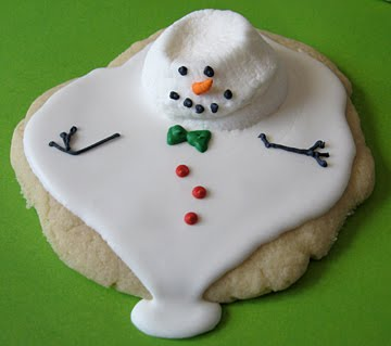 small_melted_snowman_cookie.jpg