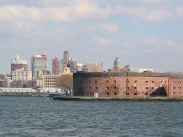 governors_island_fort_williams_brooklyn_9march03.jpg