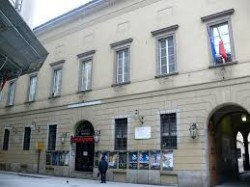 Palazzo Carmagnola a Milano, che ospitò la legione Muti prima di diventare sede del Piccolo teatro