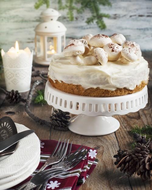 Cake autunnale con funghetti di meringa