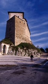 Frontone-Castello.jpg
