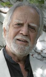 L'attore Cosimo Cinieri che interpreta il poeta Adonis