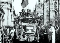 L'entrata a Milano dei partigiani il 25 aprile 1945