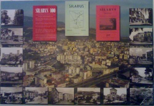 """Alcune copertine della rivista """"Silarus"""" sullo sfondo della città di Battipaglia"""