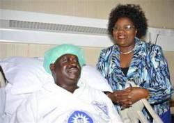 Odinga in ospedale.jpg