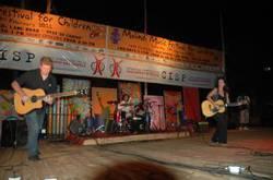 paola Turci e i suoi musicisti.jpg