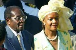 Mugabe e Grace (reut).jpg