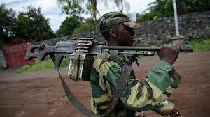 Congo Ribelle con fucile in spalla.jpg