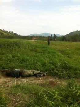 Congo bambini e cadavere.jpg