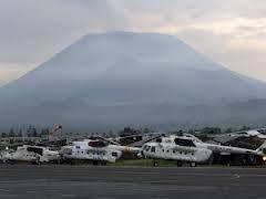 Congo elicotteri onu con vulcano.jpg
