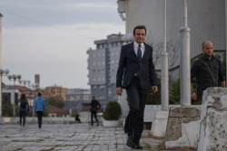 epa07851246 Albin Kurti (C), candidate for prime minister and leader of the opposition party Self-determination (Vetevendosje) walks following a pre electoral rally in Pristina, Kosovo, 18 September 2019. Kosovo's early elections will be held on 06 October 2019. EPA/VALDRIN XHEMAJ