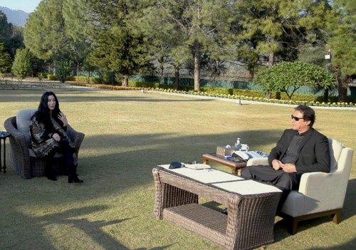 epa08846889 A handout photo made available by the Pakistani Press Information Department shows Pakistan's Prime Minister Imran Khan (R) meeting with American pop icon Cher (2-R), in Islamabad, Pakistan, 27 November 2020. Cher met Pakistan Prime Minister Imran Khan ahead of the relocation of an elephant from Islamabad's dilapidated zoo to a Cambodian sanctuary. Pakistan's only Asian elephant, Kaavan, will be repatriated by 23 November 23, to the elephants' permanent habitat in Cambodia after 35 years in Pakistan. EPA/PRESS INFORMATION DEPARTMENT HAN BESY QUALITY AVAILABLE HANDOUT EDITORIAL USE ONLY/NO SALES